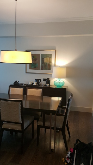 Dining room, coffee & tea bar