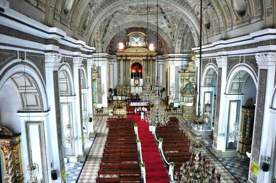 san-agustin-church-inside.jpg