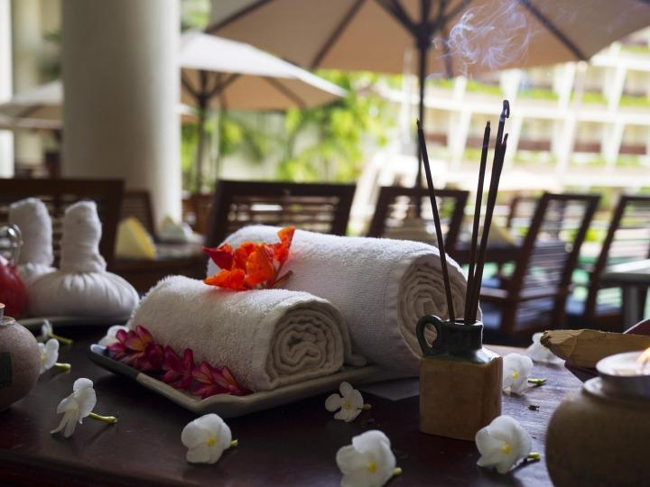 massage-therapy-1731456_1280